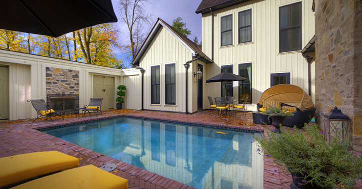 outdoor pool with brick surround