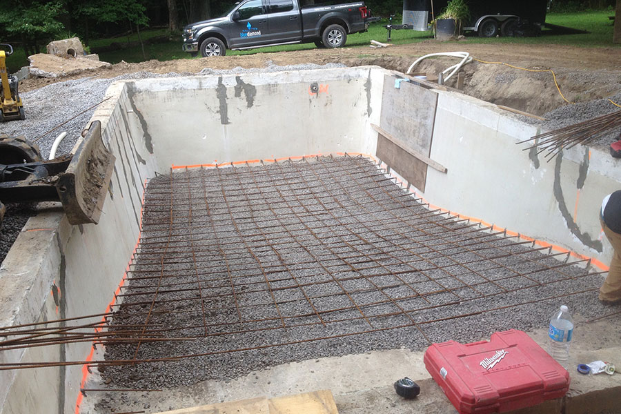 concrete pool bottom ready to be poured with concrete